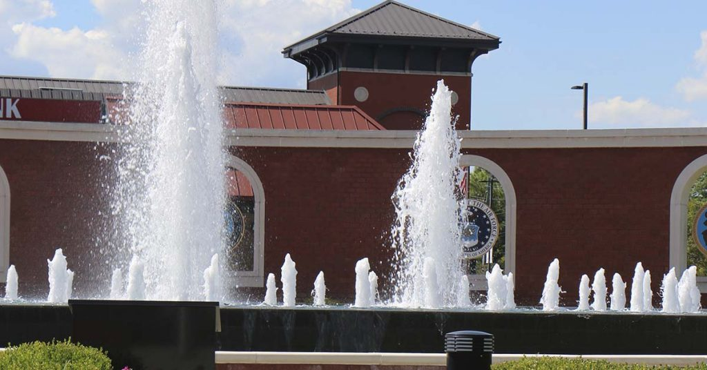 Headed to Camp Lejeune? In or close to North Carolina? Check out Jacksonville, NC, a gem of a town with a lot going on. Try these 11 things when you're in the area. #military #milfam #militaryfamily #travel #traveltips #visitnc #northcarolina #visitnorthcarolina #jacksonvillenc #marines #marinefamily #familyfriendlytravel #militaryspouse #milspouse #militaryspouses #milspouses #milso #milspo #milspos #milsos