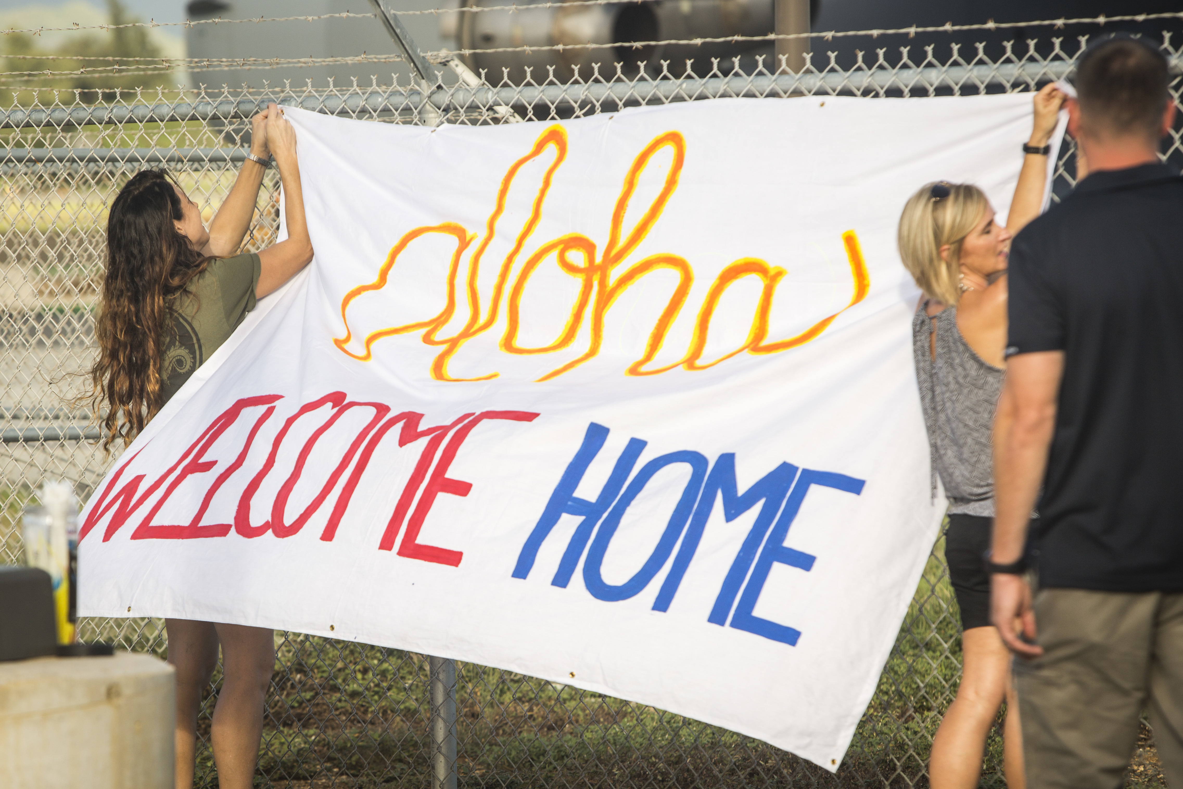 Great, real life ideas for homecoming signs. Keeping for the next deployment. #military #militaryfamily #militaryspouse #milspouse #milso #milspo #inspiration #homecomingsign #crafty #family #deployment #deploymentlife #deploymentsucks