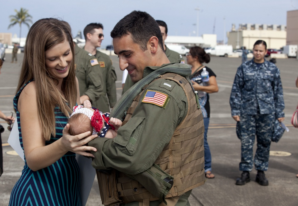 Military life can be lonely... and deployment can be absolutely difficult, especially for military spouses who are also pregnant while their spouses are away. Here's how you can help, with suggestions straight from milspouses who experienced pregnancy and/or birth by themselves. #ad