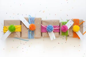 Save money, cut costs, and shrink your budget with these care package tips. #carepackage #carepackages #mailday #mailcall #happymail #sendmoremail